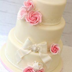rózsás esküvői torta Esküvői torták   PixiePie torta rózsás esküvői torta