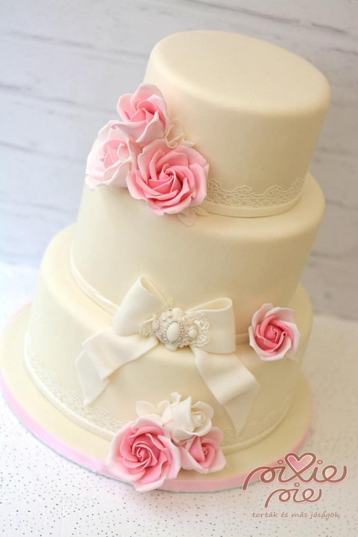 rózsás esküvői torta Rózsaszín rózsás esküvői torta k   PixiePie torta rózsás esküvői torta